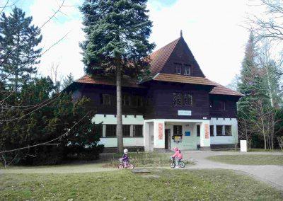 Zamocky park Pezinok 032018 (1)