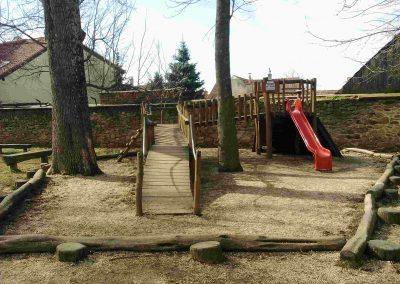 Zamocky park Pezinok 032018 (2)