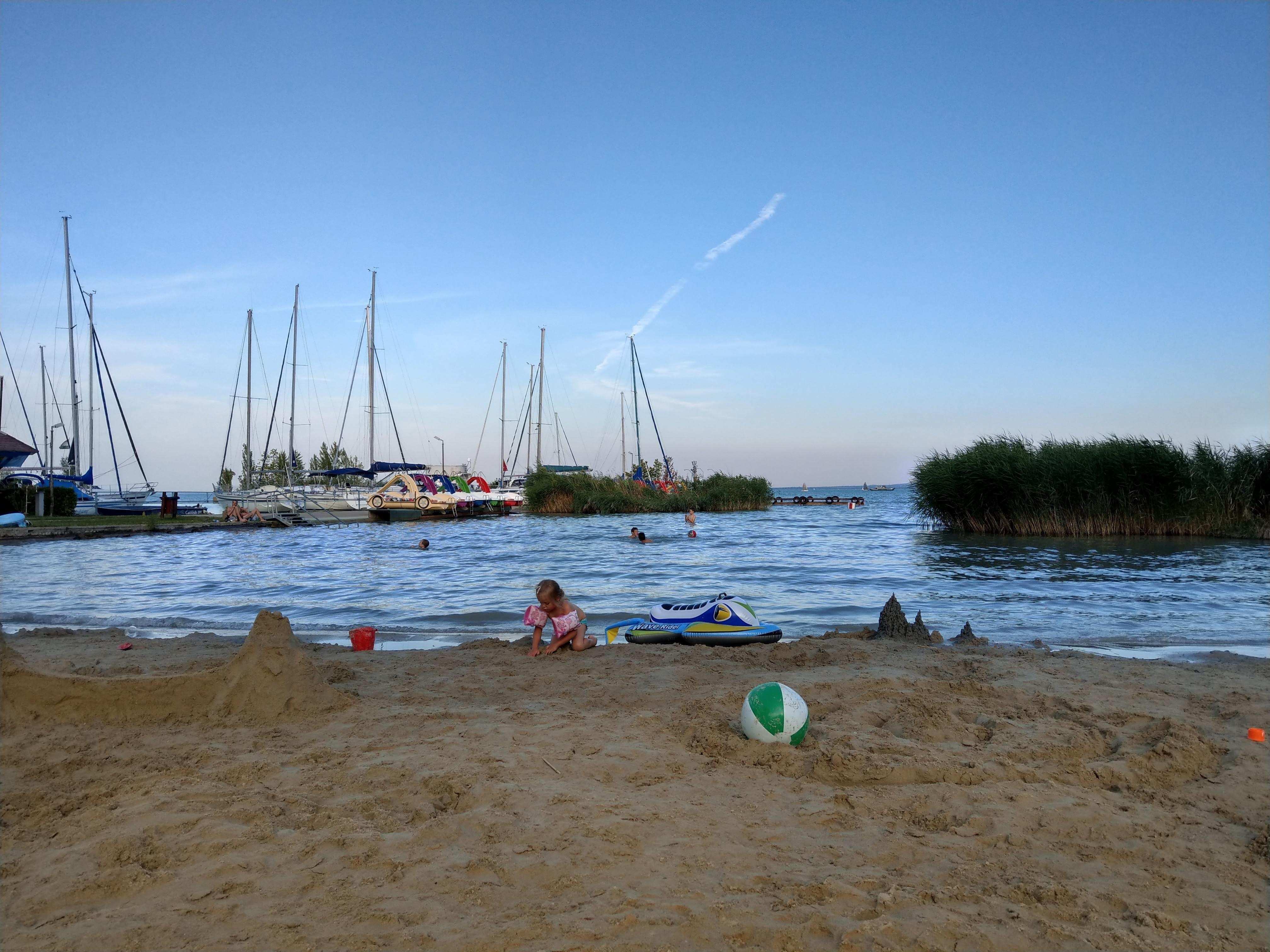 Pláž v campe Balathonfured