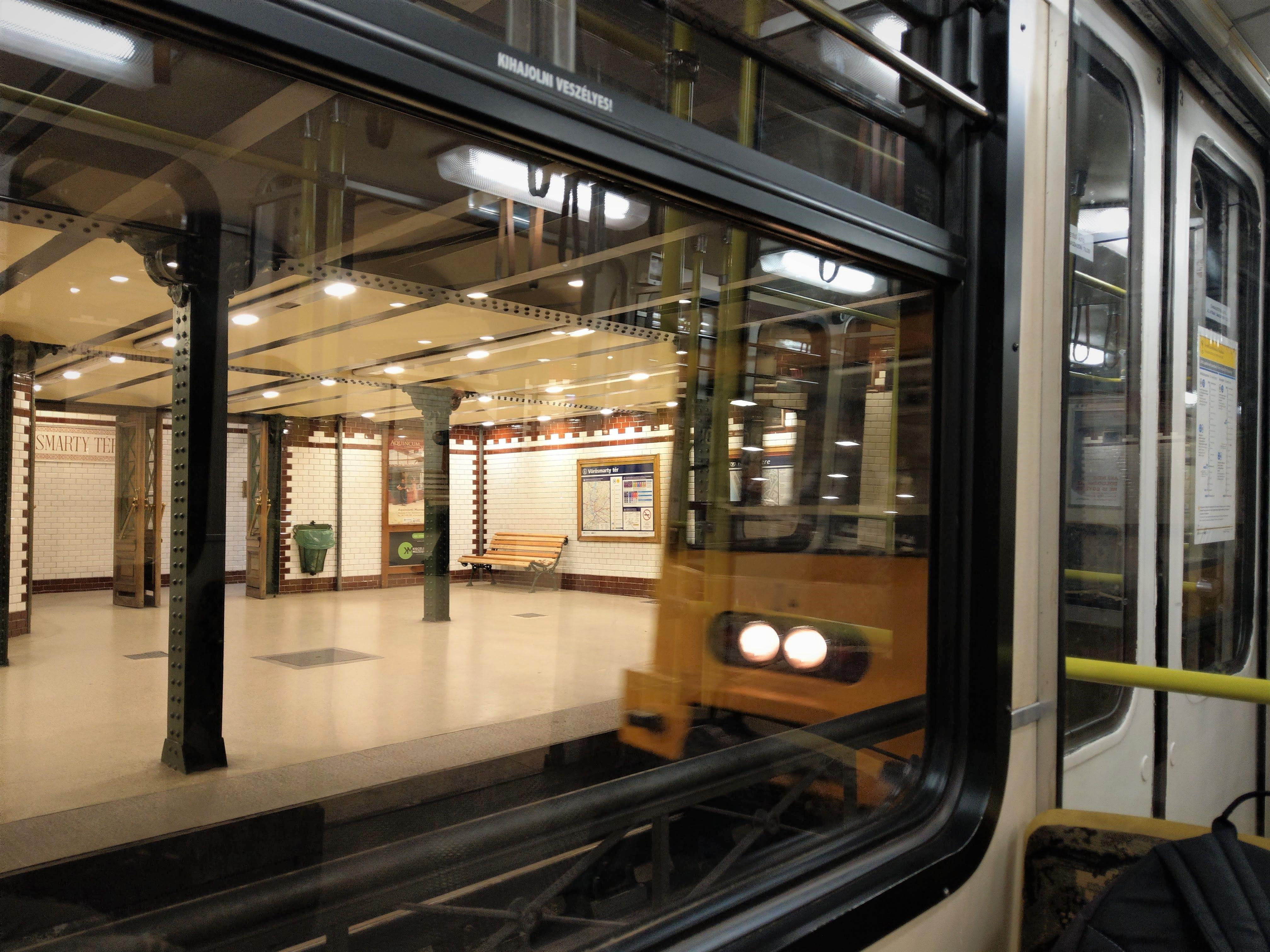001 Budapest, Metro M1