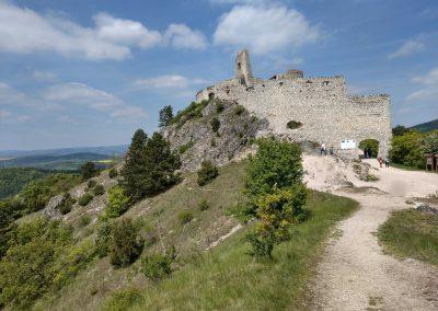 001 Cachticky hrad 052019