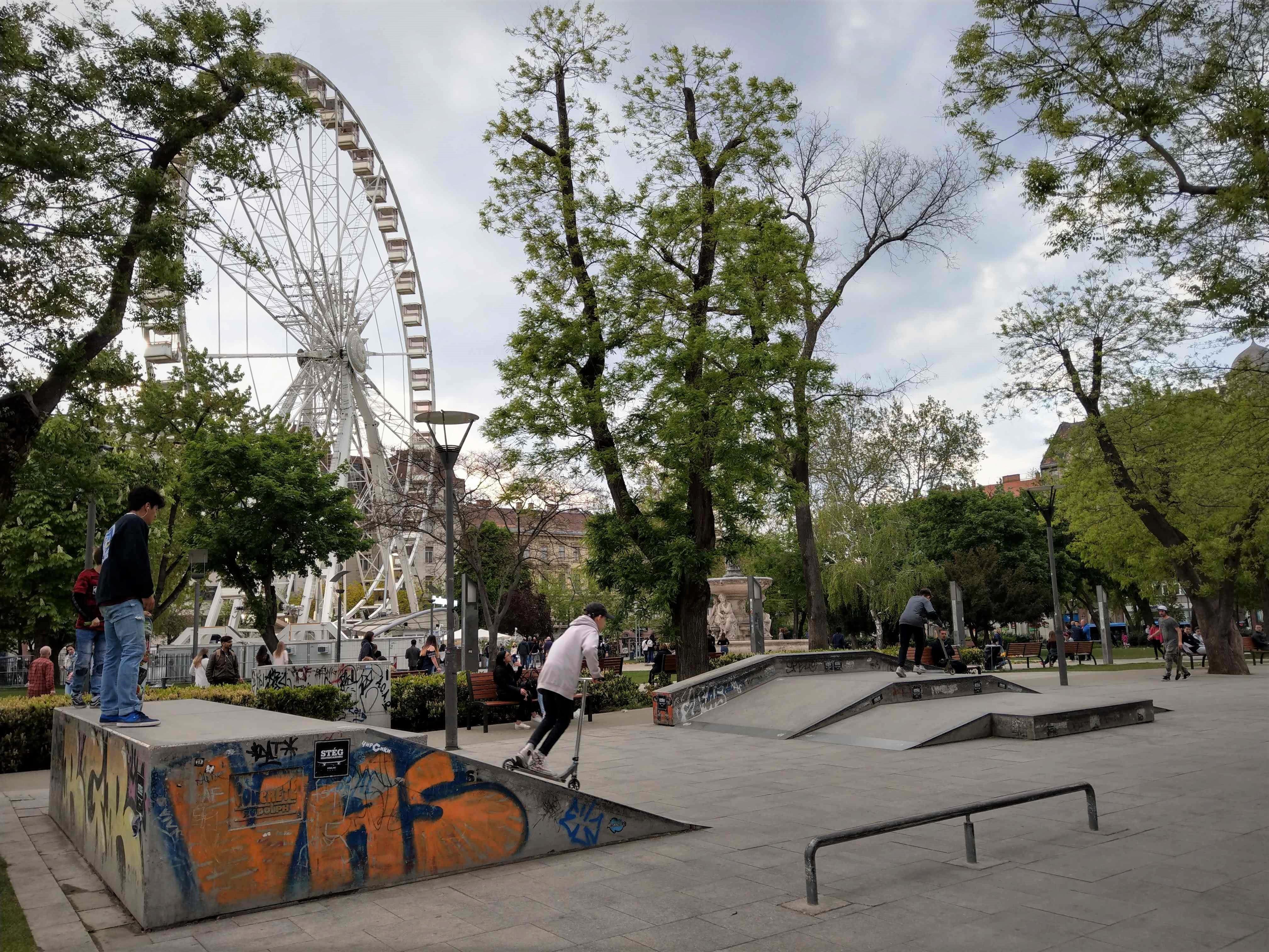 002 Budapest - Erzsebet tér