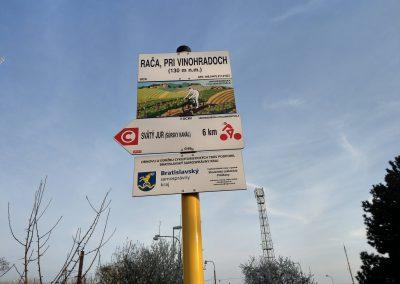 01 Cyklochodník JuRaVa Začiatok trasy - Rača