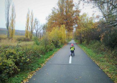 14 Cyklochodník JuRaVa - Šúrsky kanál pri Vajnoroch