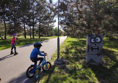 02 Park a detské ihrisko Ostredky 052020