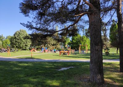 03 Park a detské ihrisko Ostredky 052020