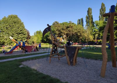 06 Park a detské ihrisko Ostredky 052020 (2)