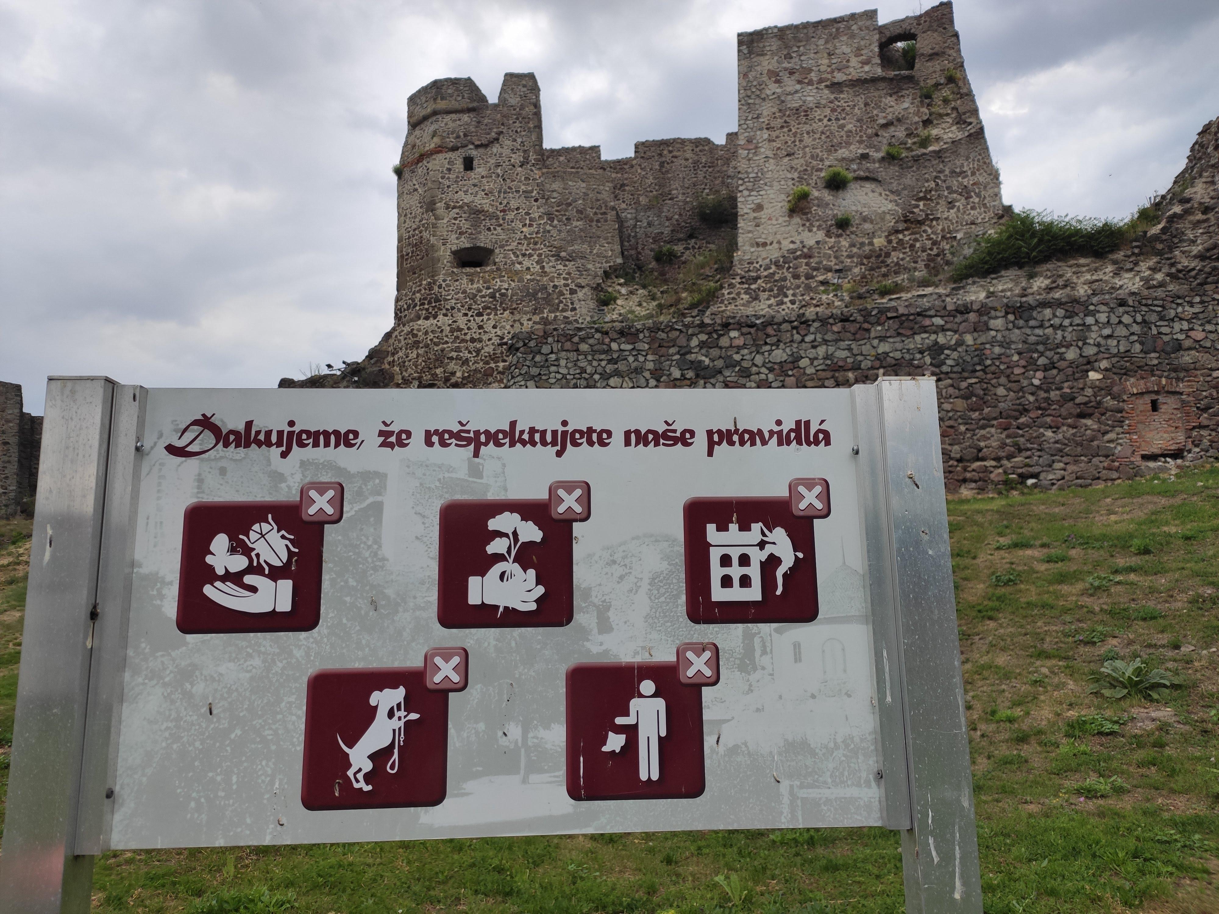 08 Levický hrad a Tekovské múzeum v Leviciach 052020